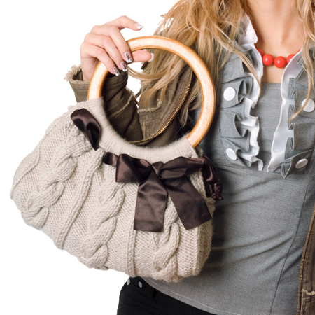 Бесплатные схемы вязанных шапок для женщин на спицах.